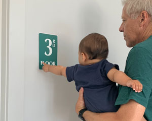 Braille floor number sign