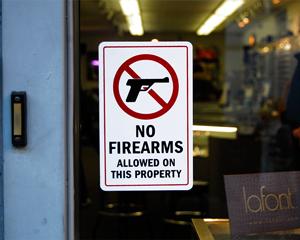 Wisonsin concealed gun sign for door